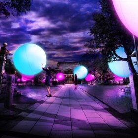 「チームラボ 大村の神社に浮遊する球体、呼応する城跡と森」を長崎県大村市の大村公園で6月3日より開催の画像
