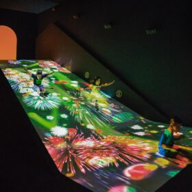 「チームラボアイランド -学ぶ!未来の遊園地-」キャナルシティ博多にオープン。新作含む9作品を常設展示。の画像