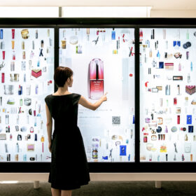 チームラボ、資生堂のショールーム「S/PRESS」に大画面で商品の魅力を体感できるタッチパネルサイネージ「Digital Collection Wall」を導入。の画像