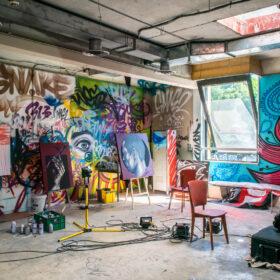 【アート業界を活性化】クレイジーなアーティストを育てるアトリエ&ギャラリーをつくるクラウドファンディングが始動の画像