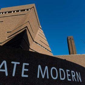 ユニクロ 英国立近代美術館テート・モダンとグローバルパートナーシップを締結の画像